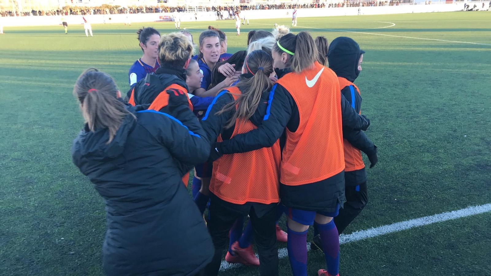El Barça femení, celebrant un gol a Vallecas