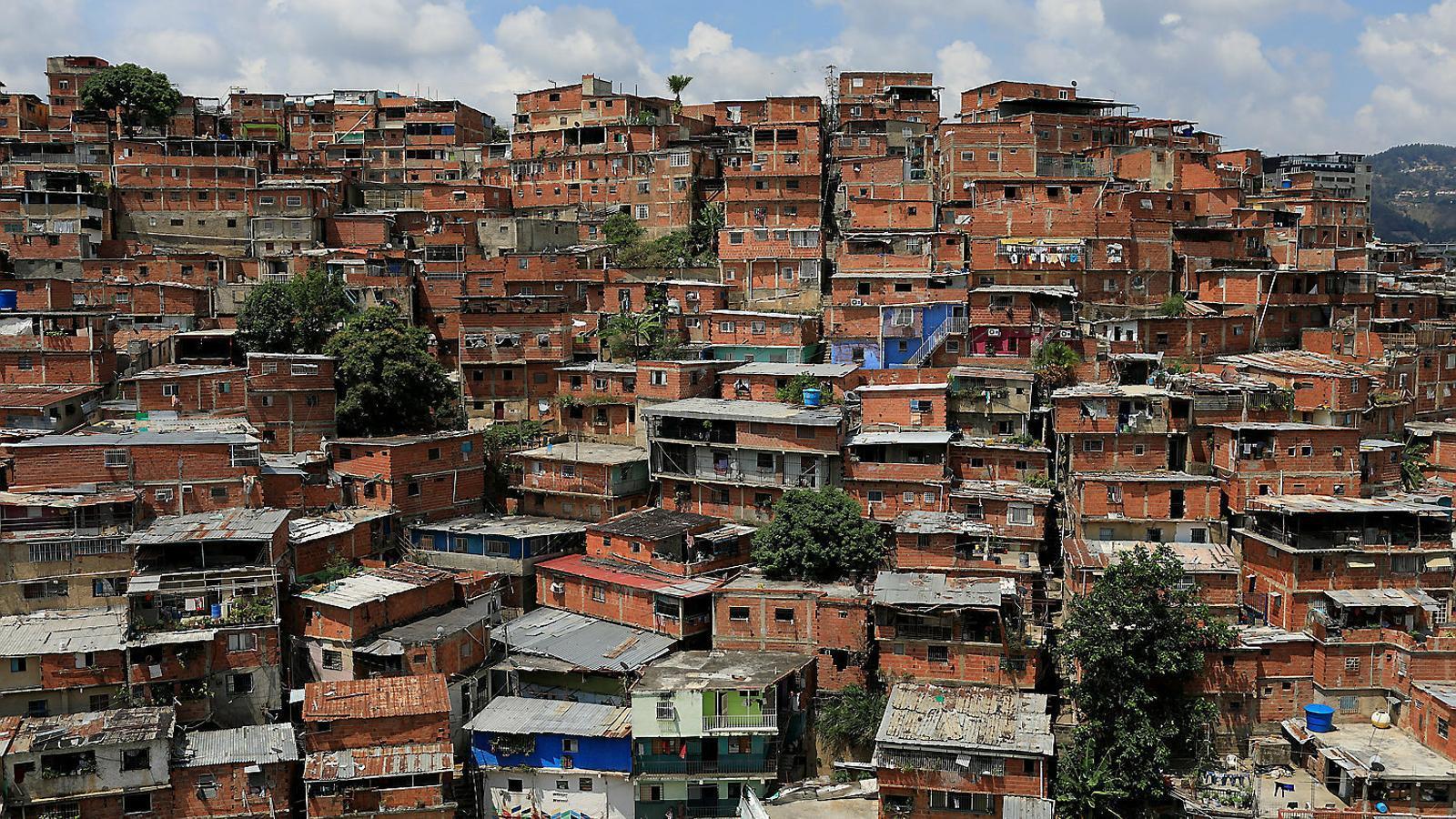 Les farmàcies i comerços de Caracas tornen a estar plens de productes