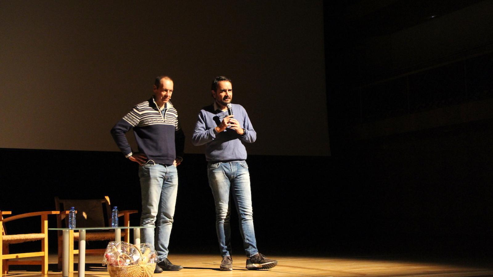Jaume Esteve, president de la FAM, i el conseller de Turisme i Esports del Comú d'Ordino, Jordi Serracanta, presenten l'acte del Dia internacional de les muntanyes. / C.G. (ANA)