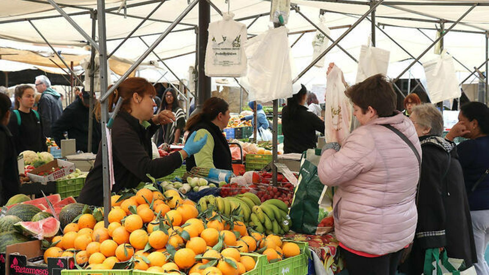 L'observatori fa el seguiment dels preus de la fruita i la verdura, dels ous, del peix, de la carn i dels aliments bàsics
