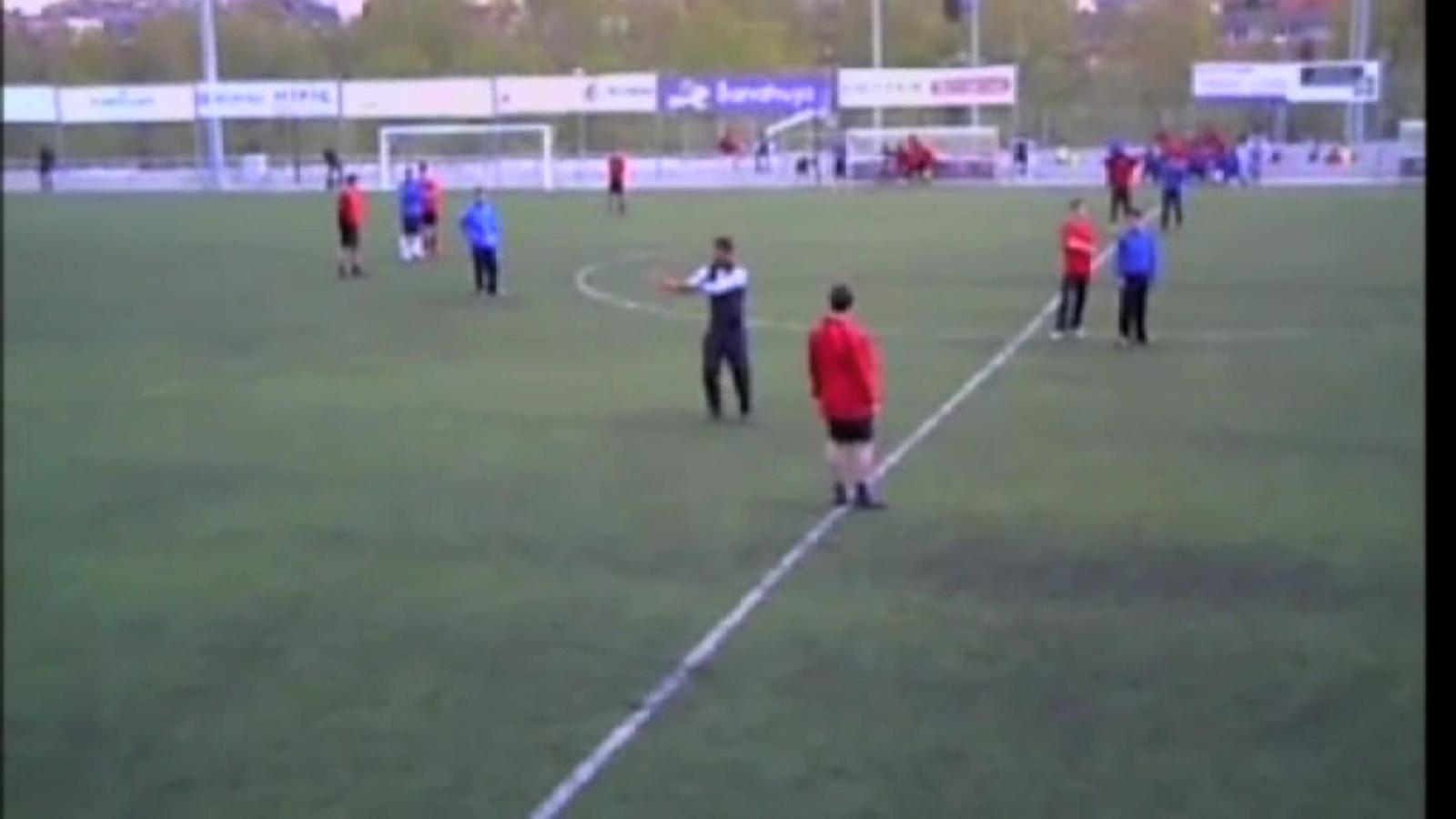 Guardiola exposa les bases del seu 3-4-3