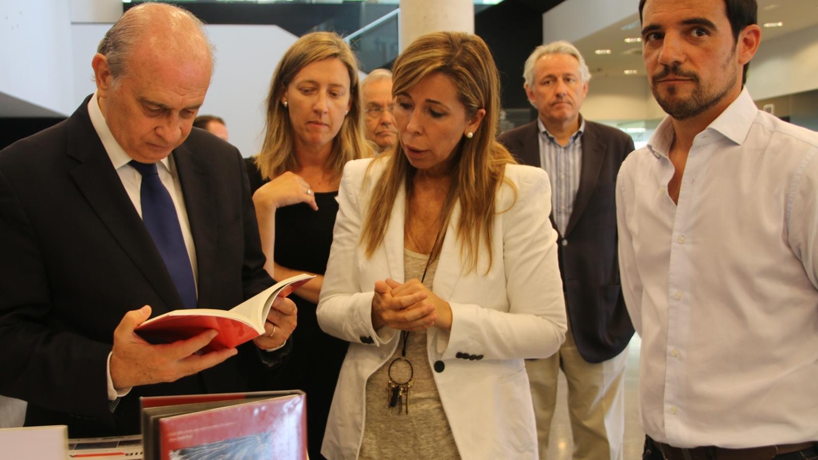 Jorge fern ndez d az al rescat un ministre al servei de for Ministre interior