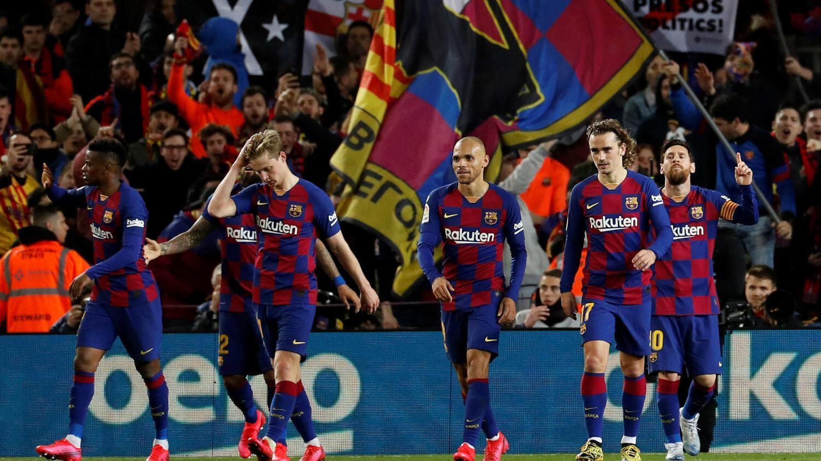 Braithwaite, Griezmann i Messi després de l'1-0 de l'argentí a la Reial en l'últim partit del Barça.