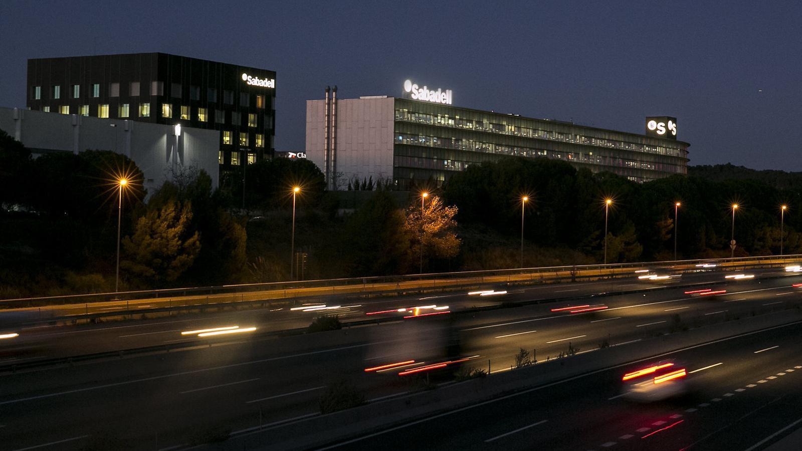 El Sabadell sondeja Kutxabank per liderar una eventual fusió