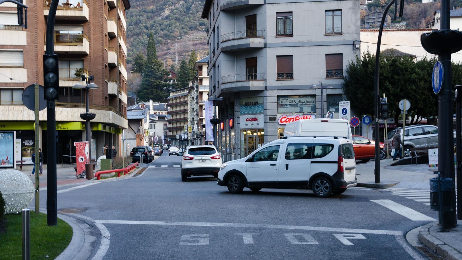 Les obres se centraran en el tram entre la plaça Laurèdia i la plaça de la Germandat. / ARXIU ANA