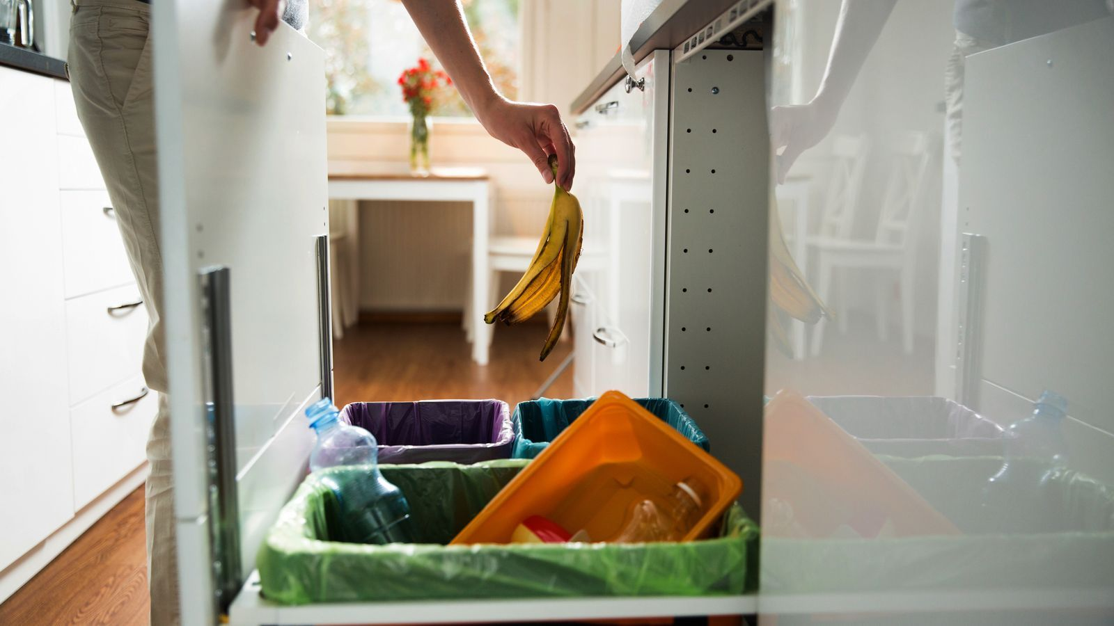 ¿Es poden reciclar els taps de suro i les capses de pizza brutes?