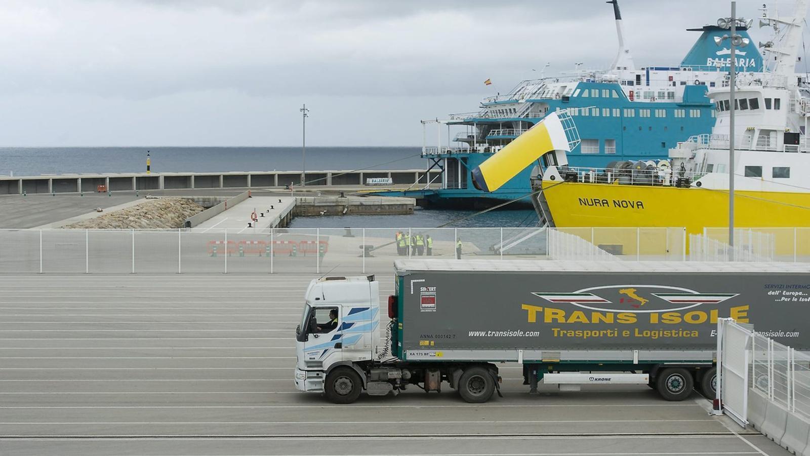 Els ports són el punt d'entrada de mercadaries a les Illes.