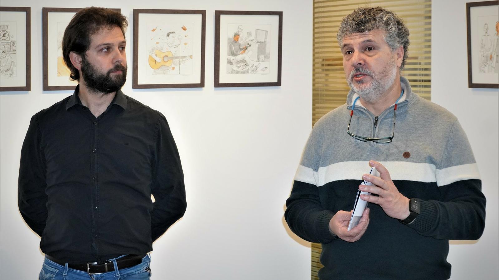 El regidor de Cultura, Mateu Marcé, i el tècnic Lluís Carreras durant la presentació de Culturàlia.