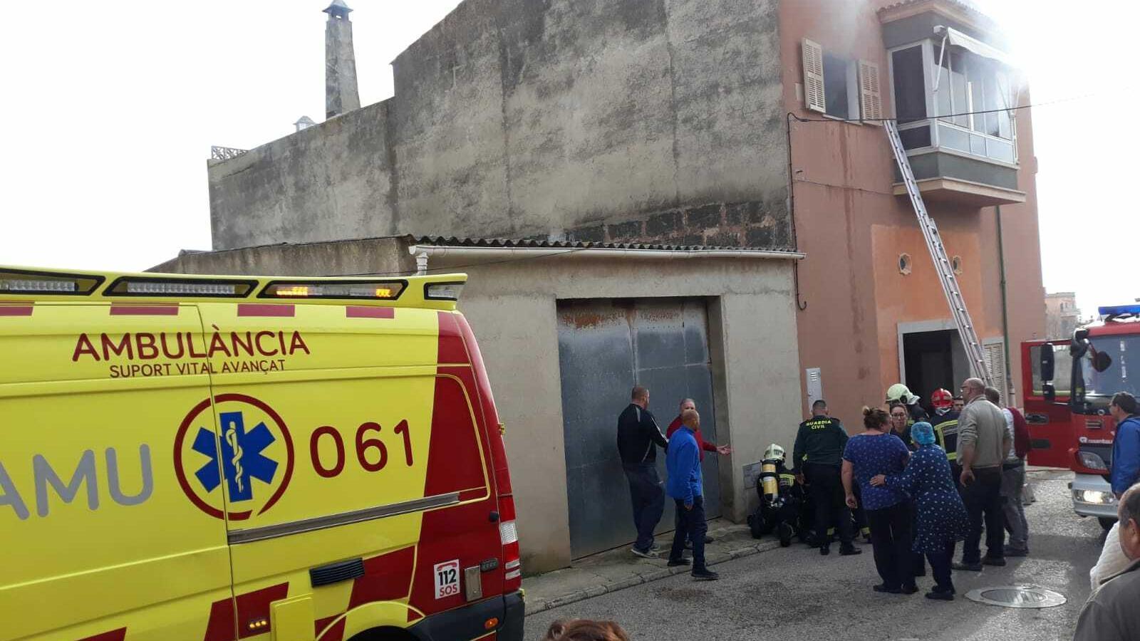 Un menor en estat crític per un incendi a Vilafranca de Bonany
