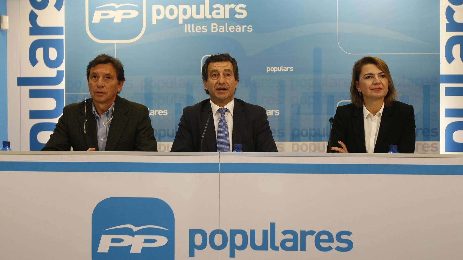 Mateu Isern, Biel Company i Marga Duran a la roda de premsa del PP a Palma