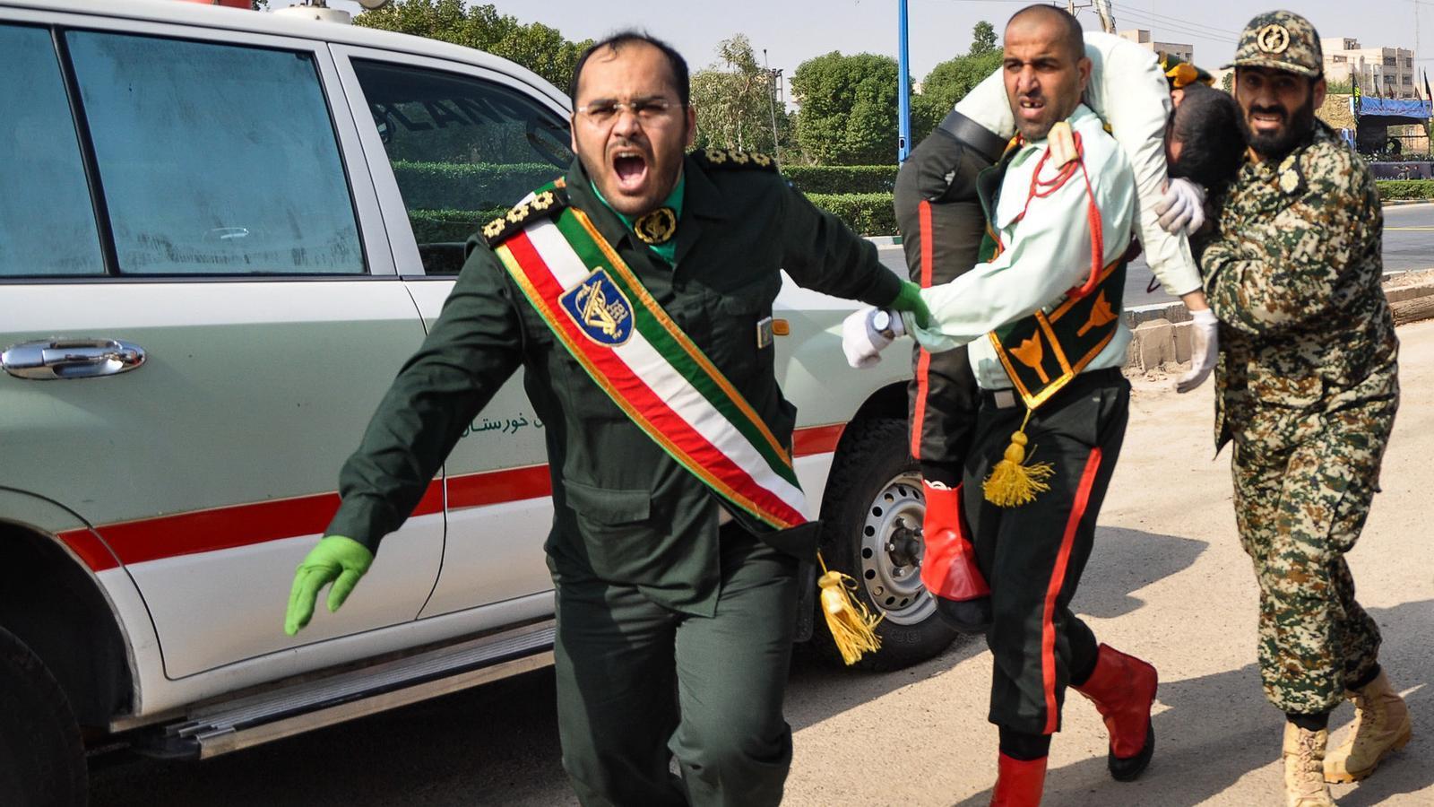 Almenys 24 morts en un atac terrorista durant una desfilada militar a l'Iran