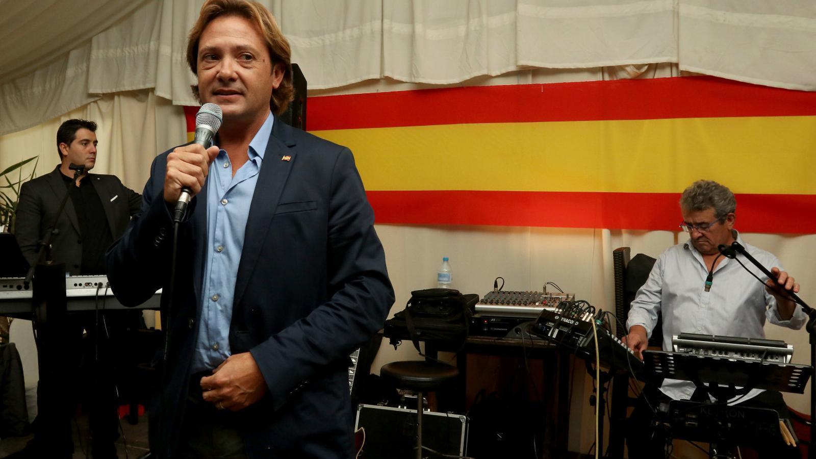 """El president d'Actúa Vox, Jorge Campos, en un acte organitzat per Vox a Lloret en suport """"de la tauromàquia i de la unitat d'Espanya"""" el passat mes d'octubre."""