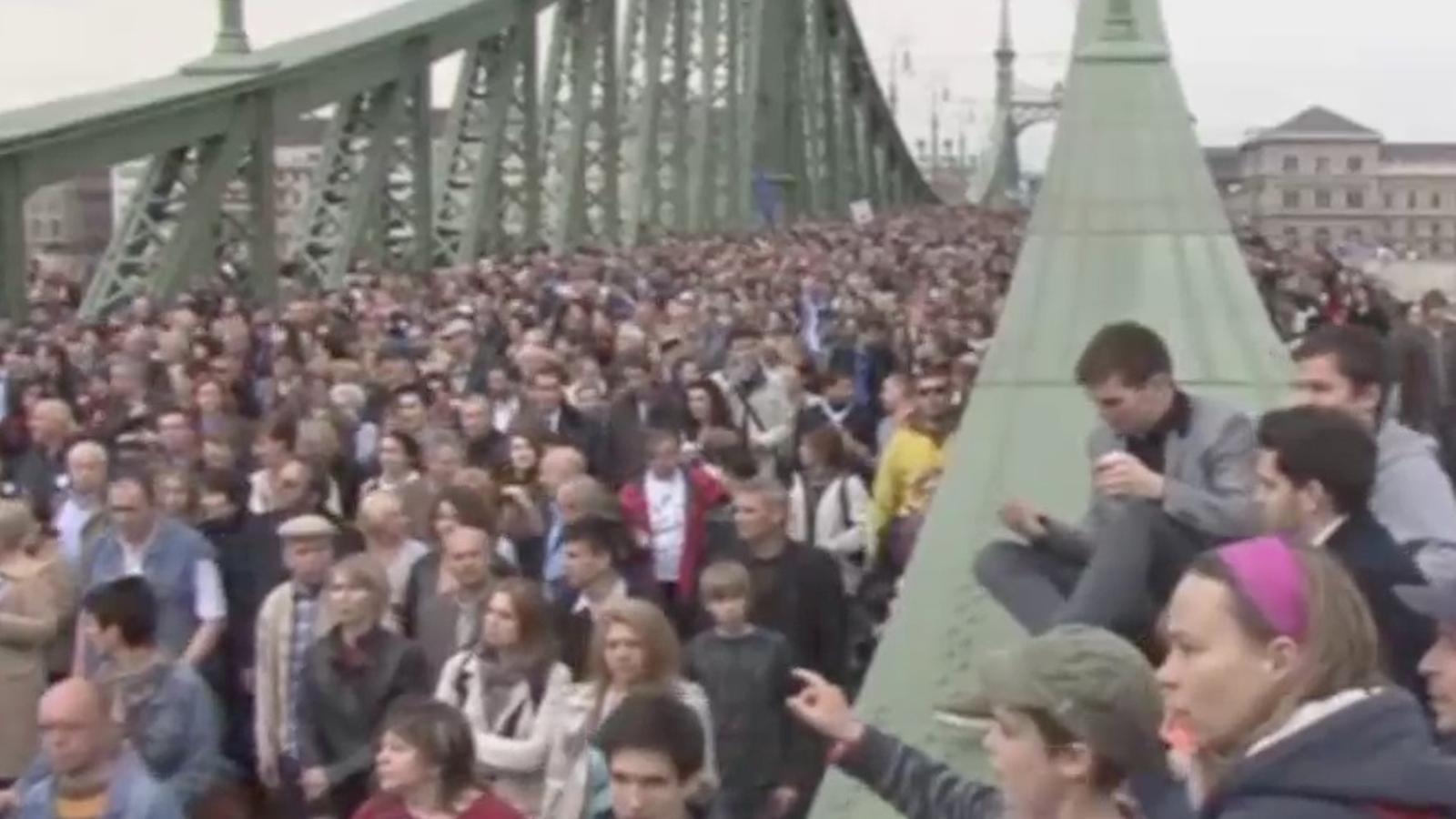 Budapest homenatja els jueus morts a mans del nazis