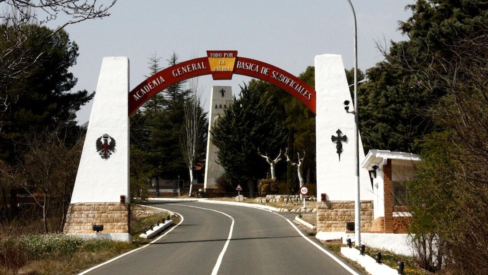L'entrada de l'acadèmia militarn de Talarn, en una imatge d'arxiu