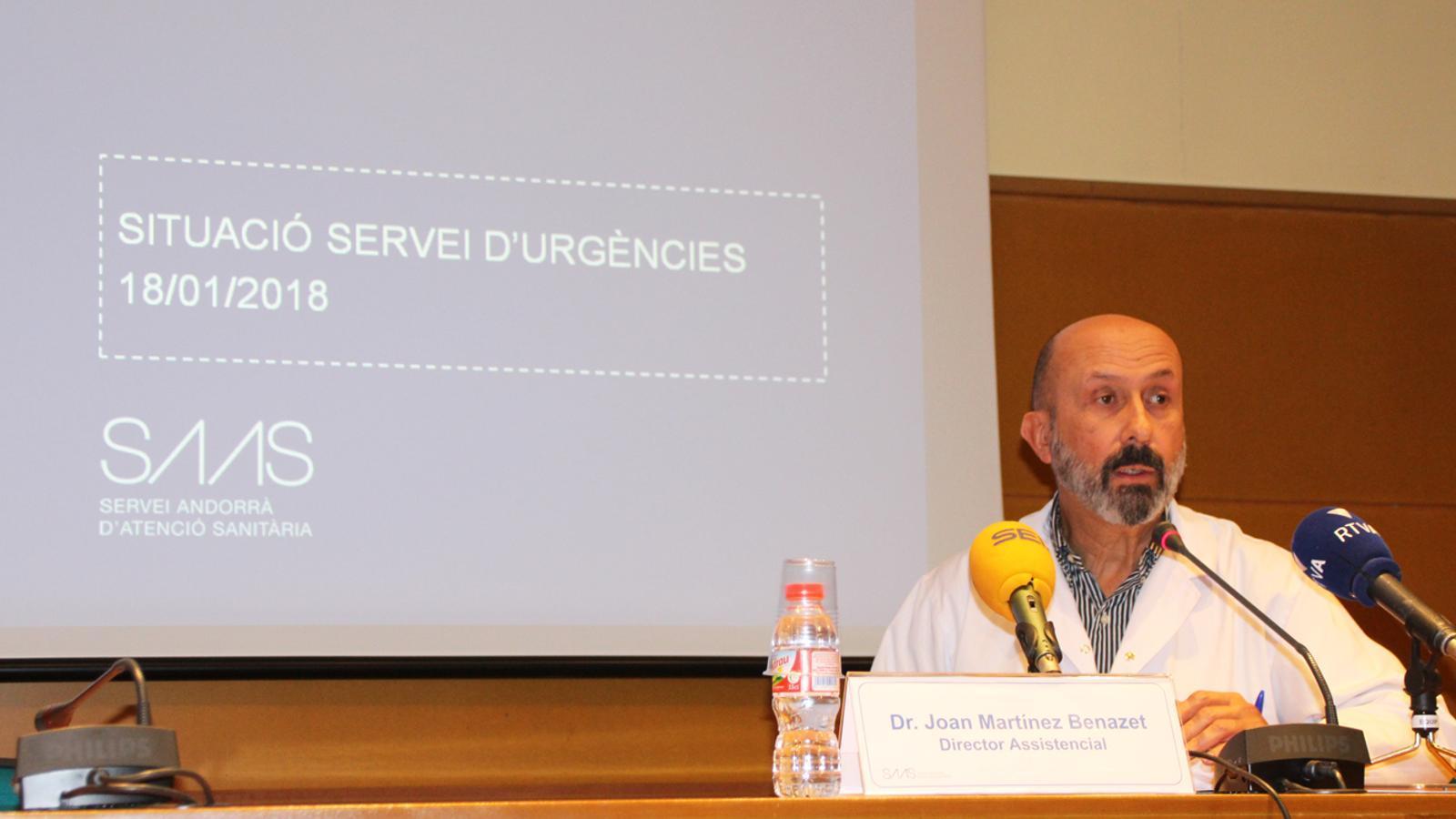 El director assistencial del SAAS, Joan Martínez Benazet, durant la roda de premsa sobre la situació del servei d'Urgències, aquest dijous.