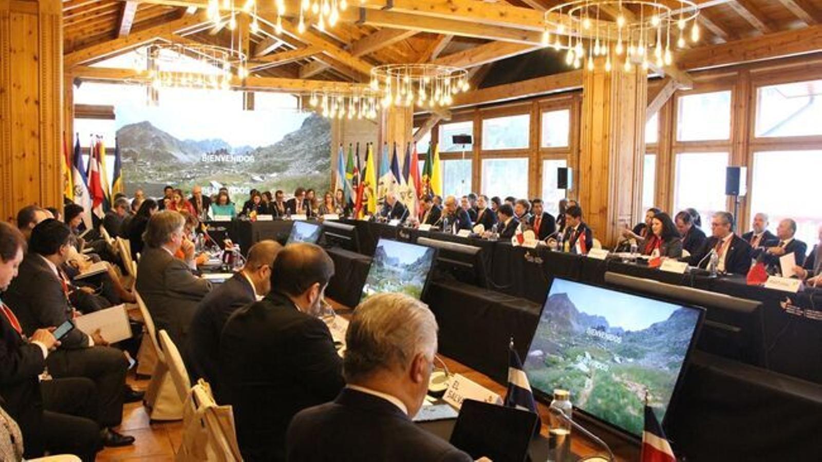 La primera reunió de ministres d'Afers Exteriors iberoamericans celebrada a Soldeu. / M. P. (ANA)