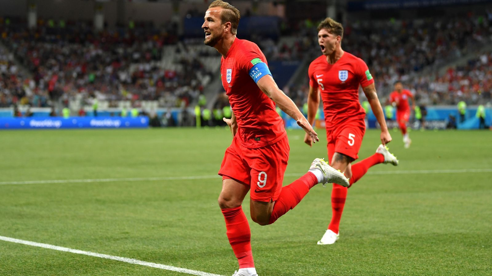 Anglaterra s'encomana a Kane per salvar els mobles davant Tunísia