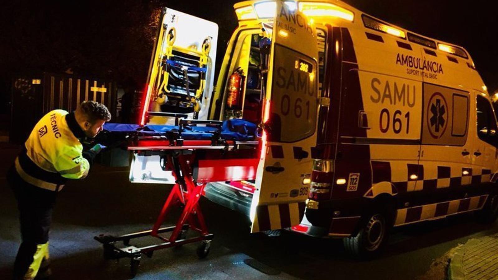 Imatge d'arxiu d'una ambulància del 061.