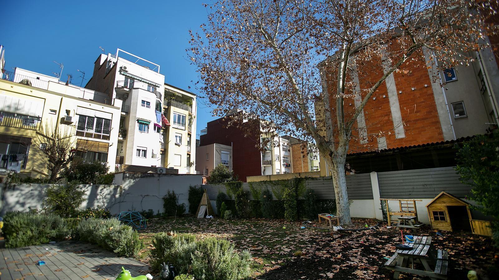 Colau ajorna el polèmic pla d'habitatge de Gràcia