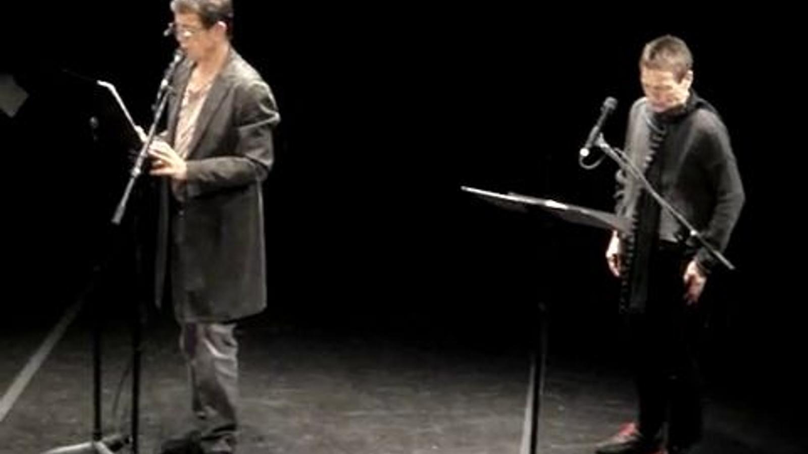 Lou Reed llegeix el poema 'Primer Amor' de Joan Margarit i Laurie Anderson 'Joventut procaç', de Francesc Parcerisas, en anglès