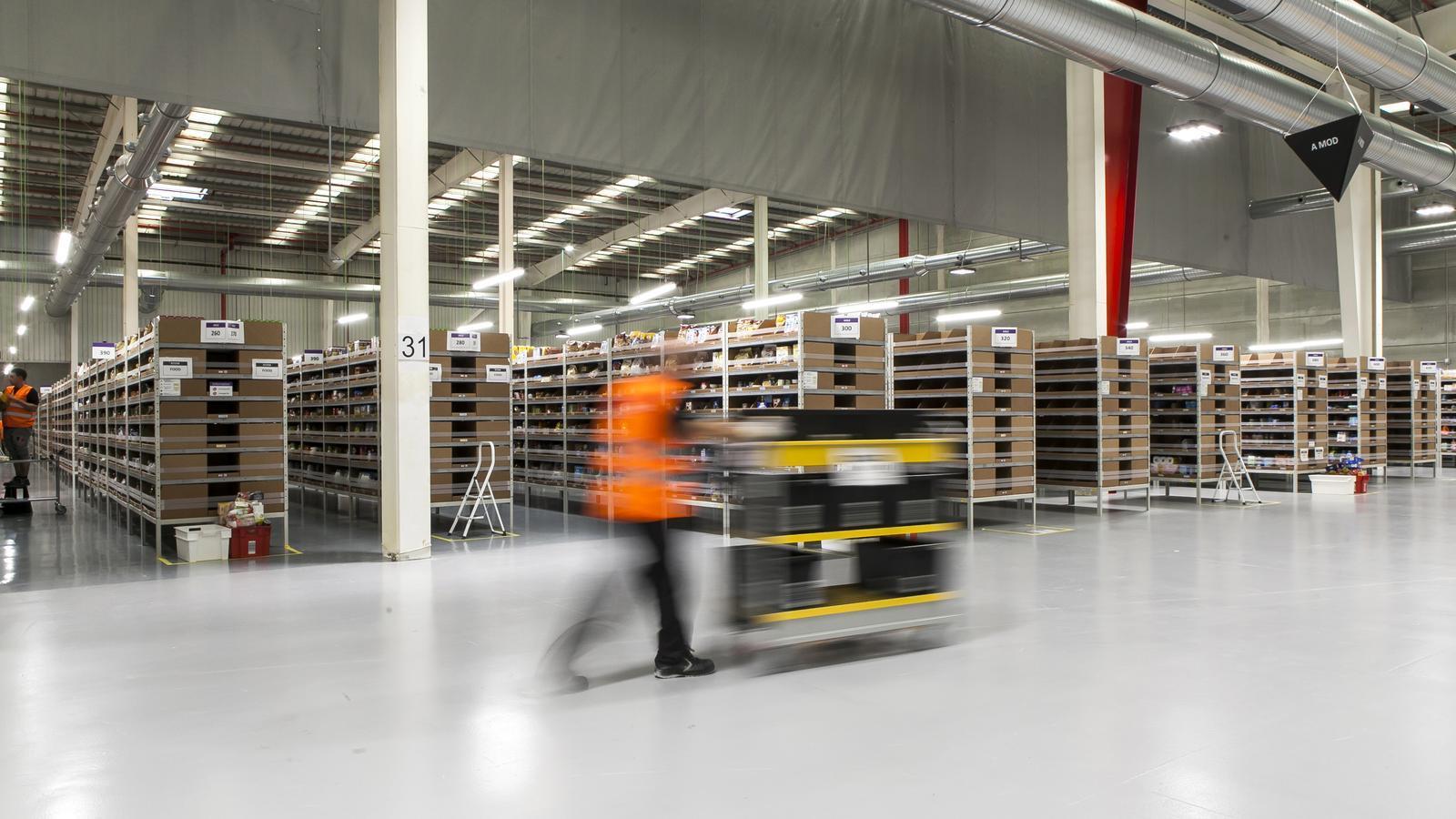 Imatge del nou centre logístic d'Amazon a Castellbisbal proveïda per la mateixa companyia