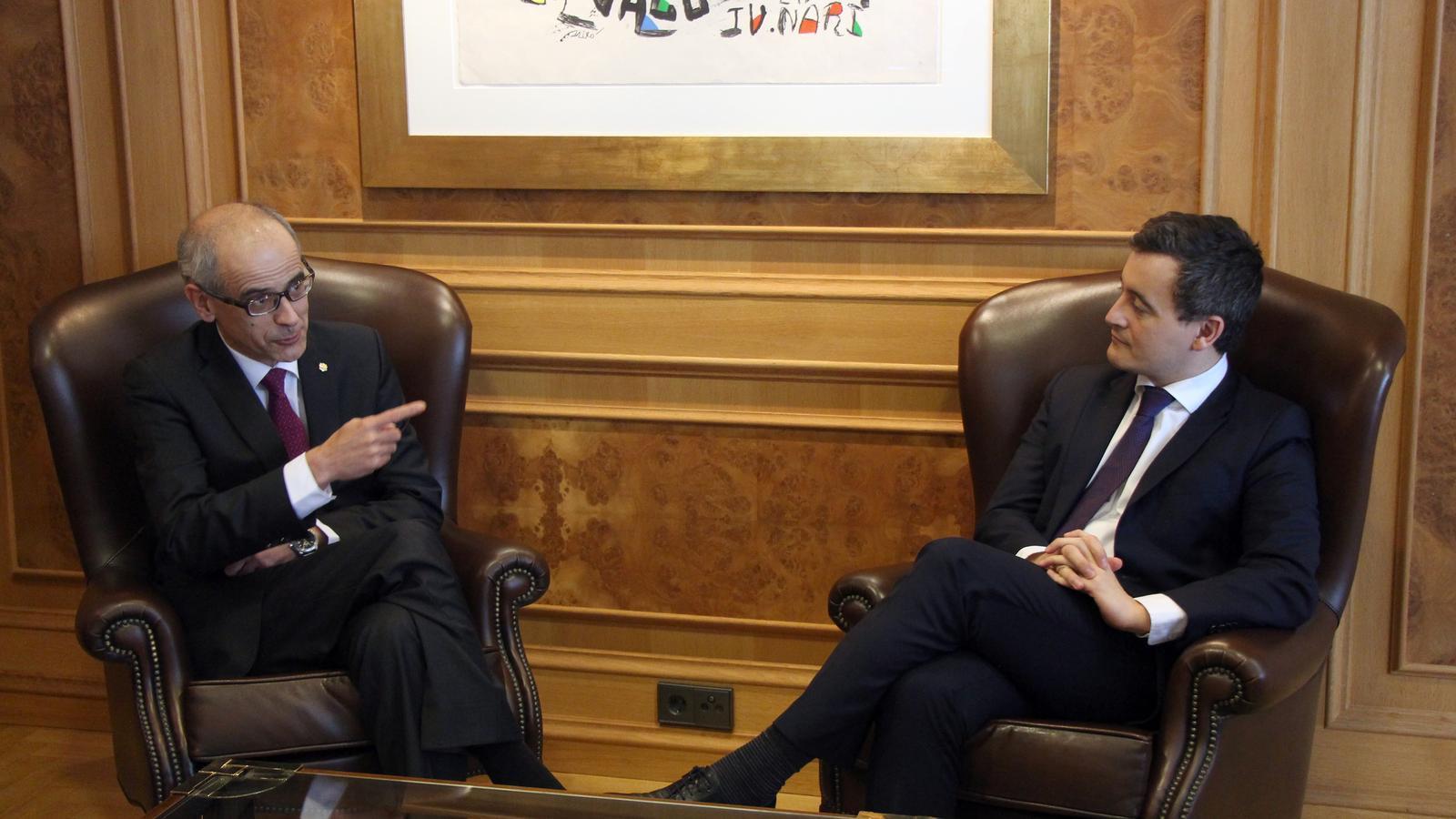 El ministre d'Acció i Comptes Públics francès, Gérald Darmanin, abans d'iniciar la reunió amb el cap de Govern, Toni Martí. / C. G. (ANA)