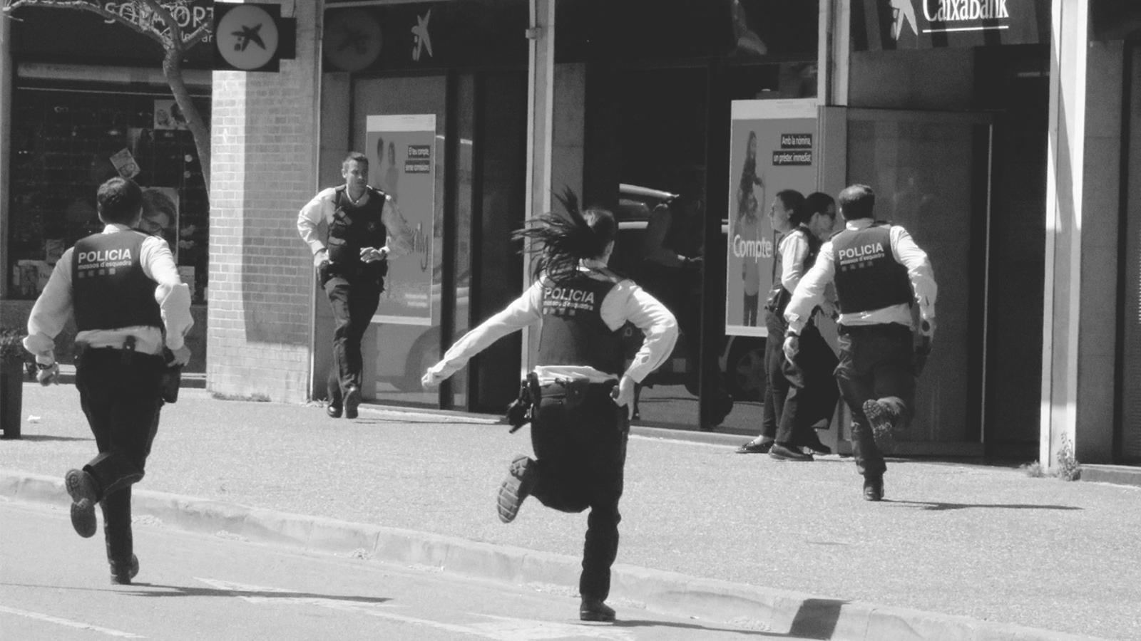 L'anàlisi d'Antoni Bassas: 'La imatge dels policies corrent cap al perill'