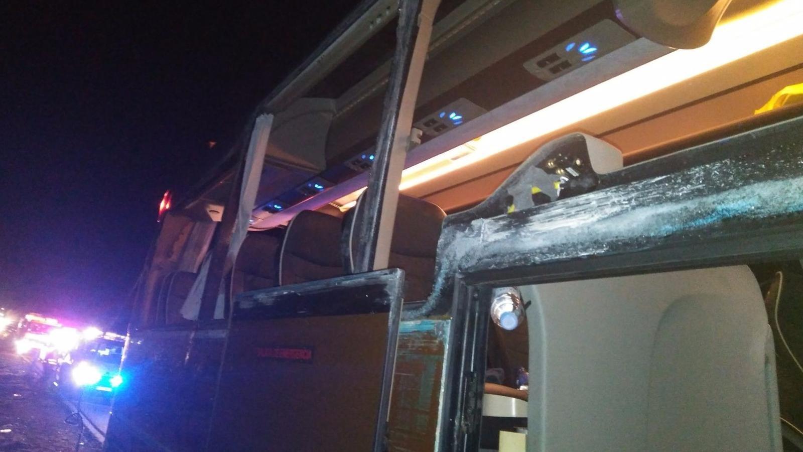 Dotze ferits en xocar un autobús amb 55 passatgers i un camió al País Valencià/ ACN