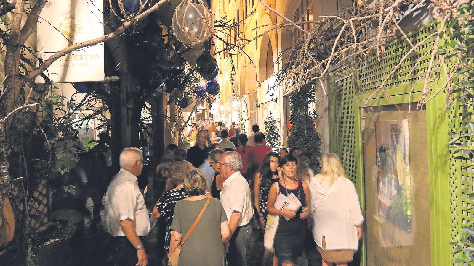 El carrer de Can Verí, uns dels punts més concorreguts.