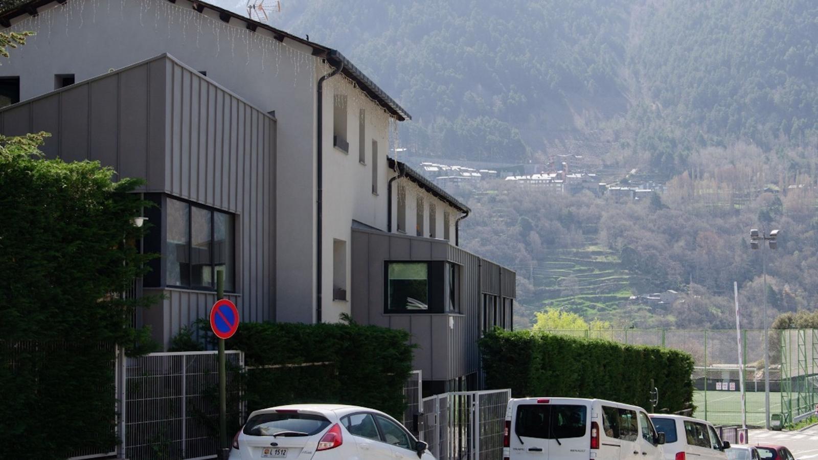 Imatge exterior del centre de menors de la Gavernera. / ANA