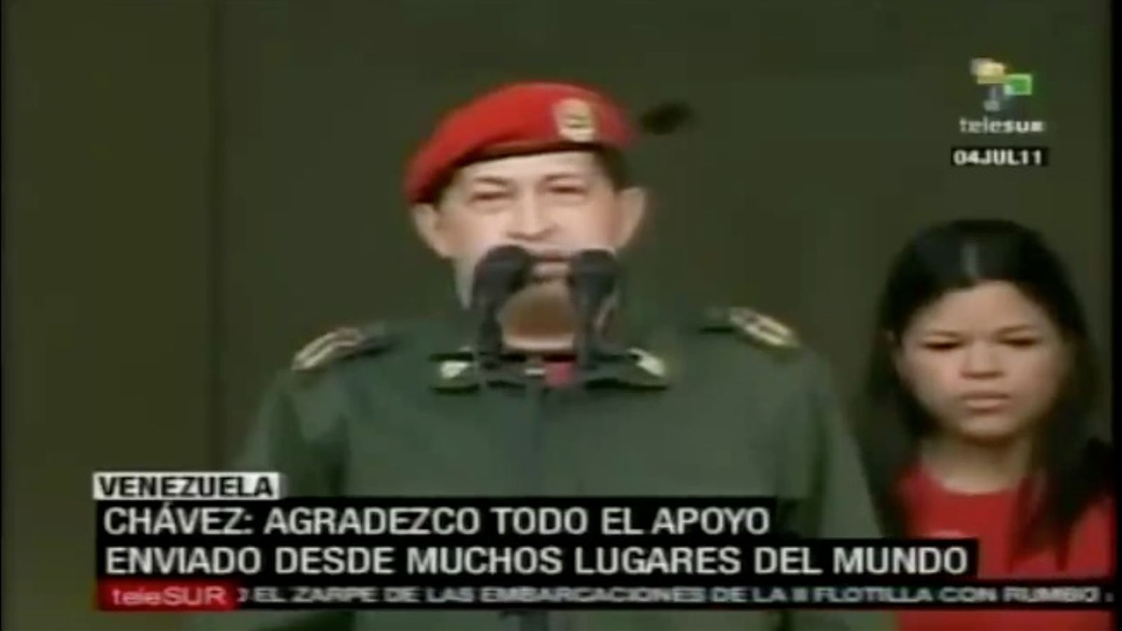 Milers de persones reben Hugo Chávez a la seu del govern