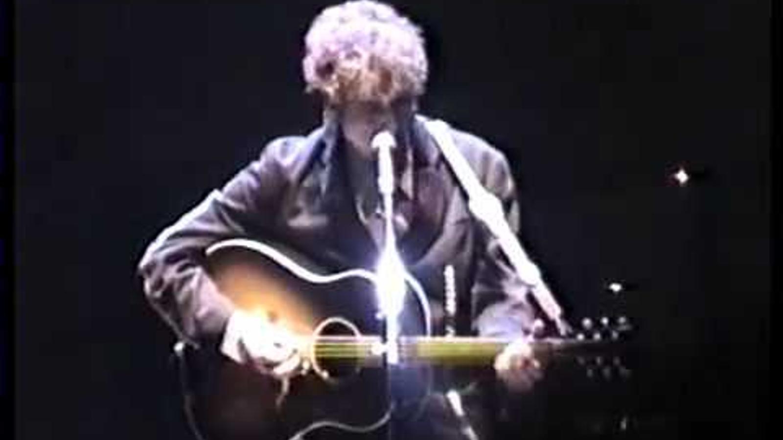 Bob Dylan interpreta 'Visions of Johanna' l'any 2000