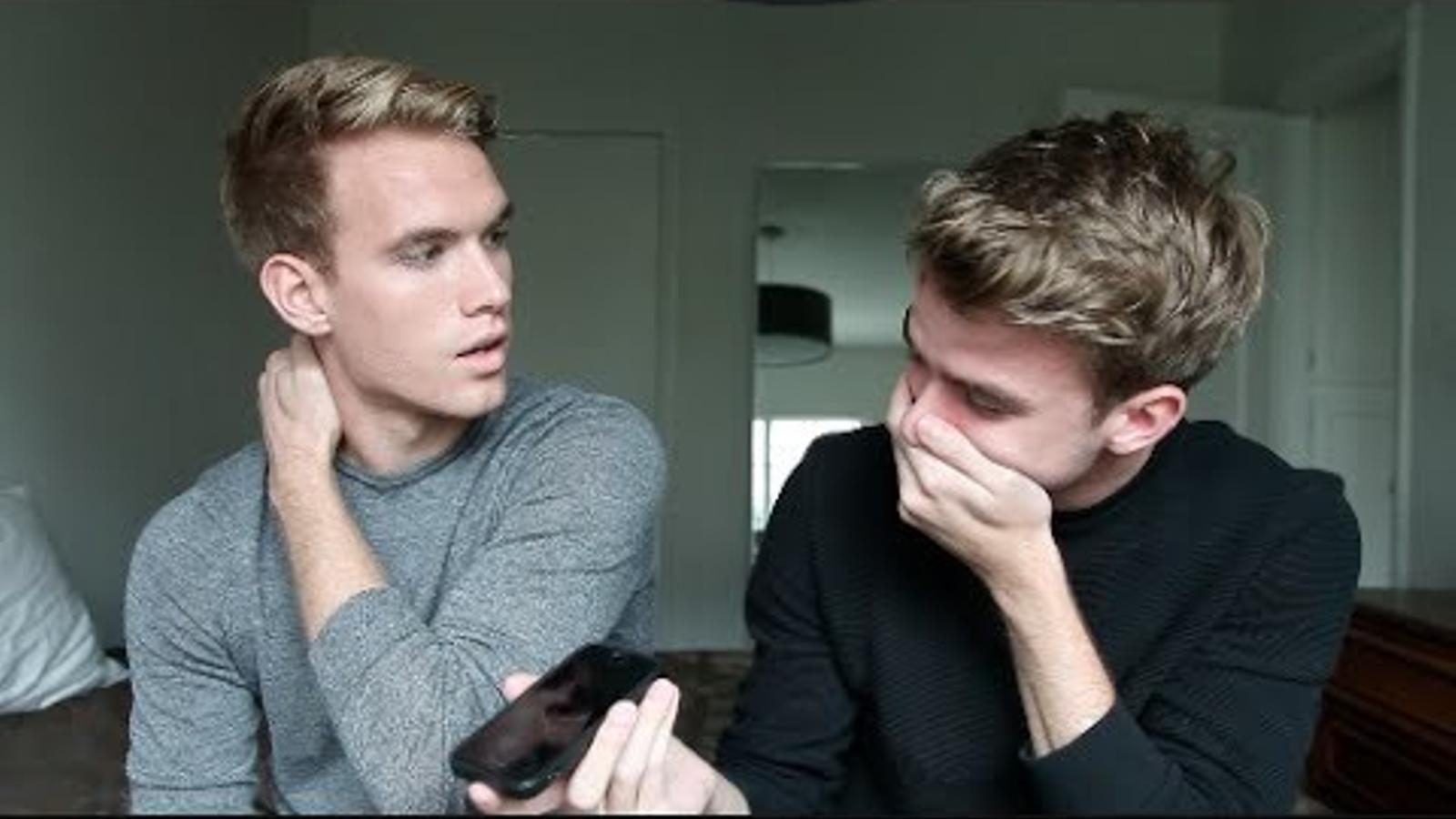 Els bessos Rodhes Bros van explicar al seu pare, en directe, que són gays