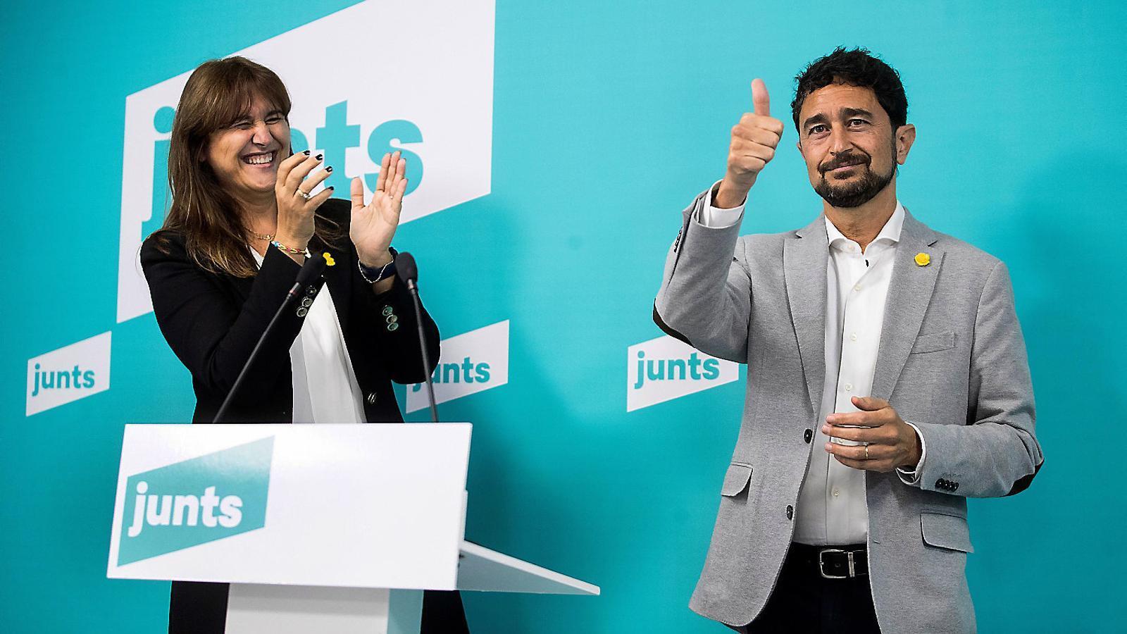 La portaveu al Congrés, Laura Borràs, i el conseller Damià Calvet ahir després del resultat.
