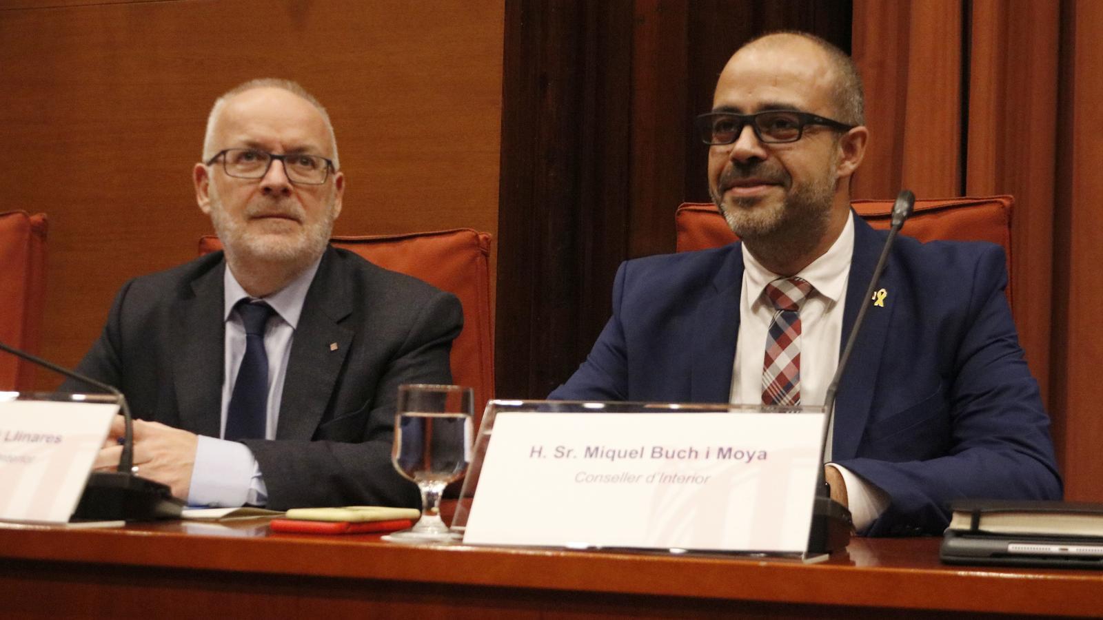 El secretari general d'Interior, Brauli Duart, i el conseller, Miquel Buch, a la comissió