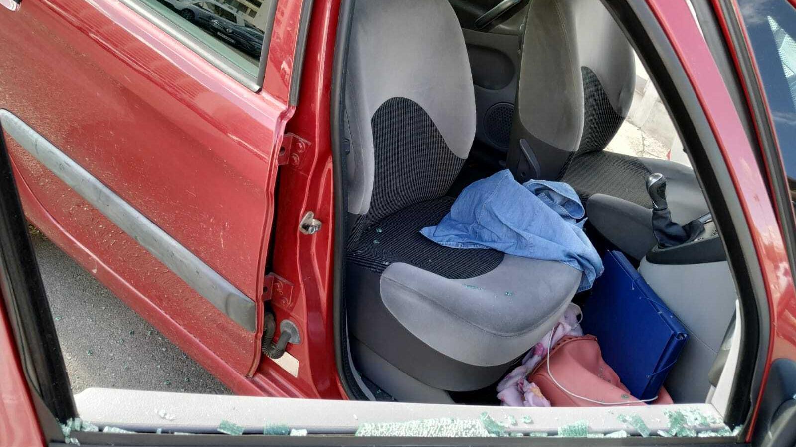Imatge del cotxe de Paula Rotger després de l'atac