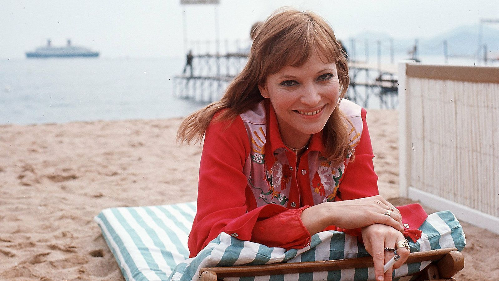 Karina a la platja de Canes durant el festival de cinema de l'any 1972.