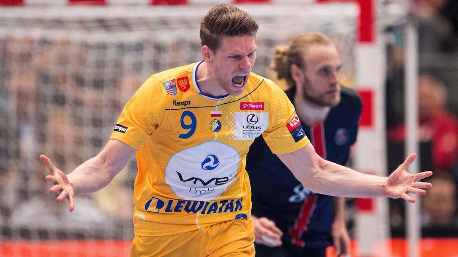Tobias Reichmann després d'anotar un gol