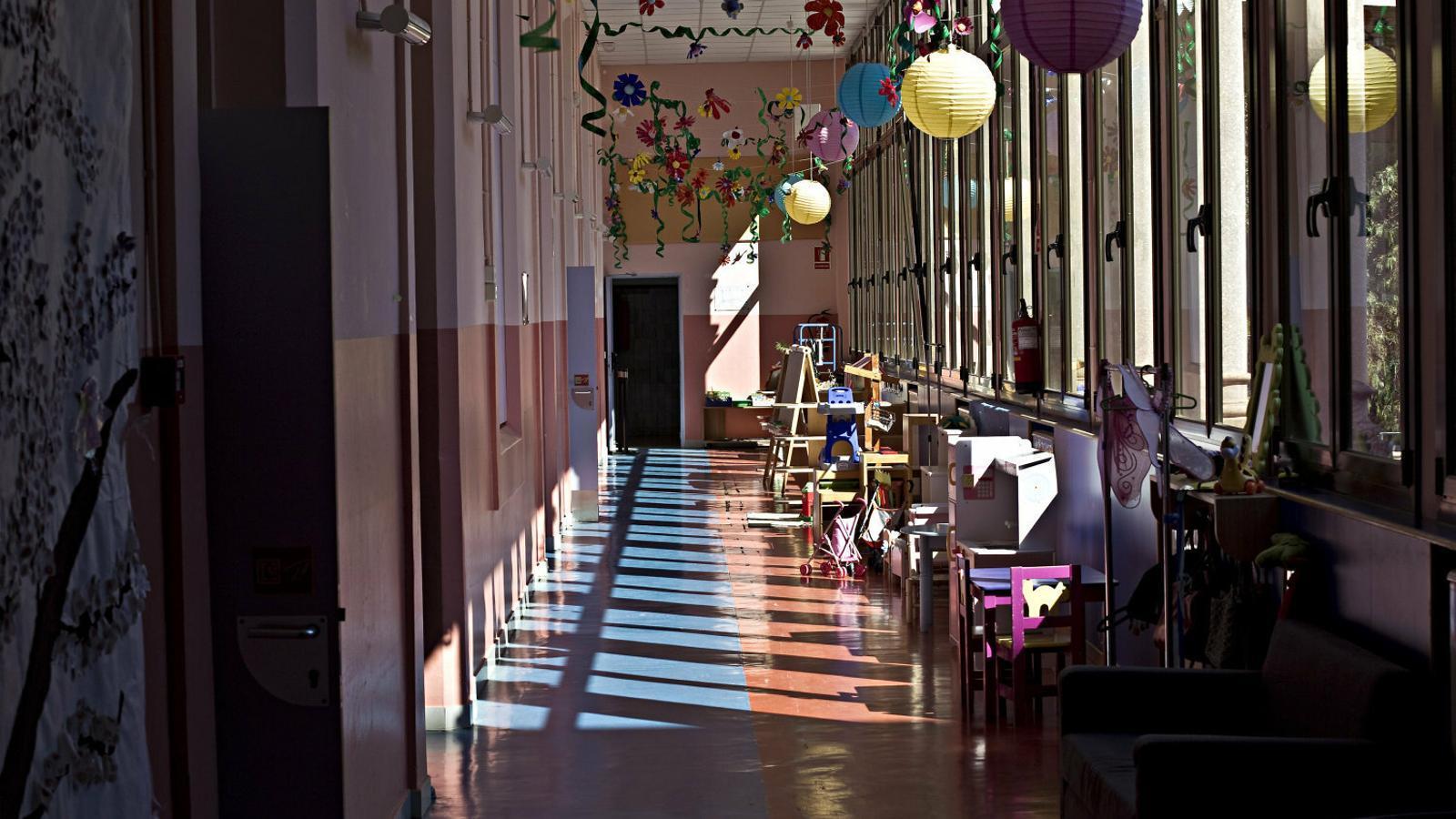 Un passadís de l'Escola Pia de Sarrià, un centre concertat, en una imatge d'arxiu.