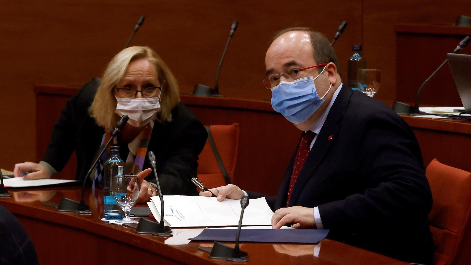 Assumpta Escarp i Miquel Iceta (PSC) aquest divendres a la taula de partits.