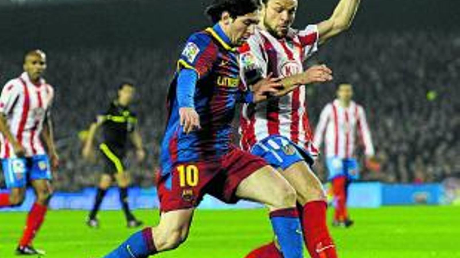 Leo Messi ahir va marcar tres gols: ja en suma 24 a la Lliga i 40 en total. / DAVID RAMOS / GETTY IMAGES