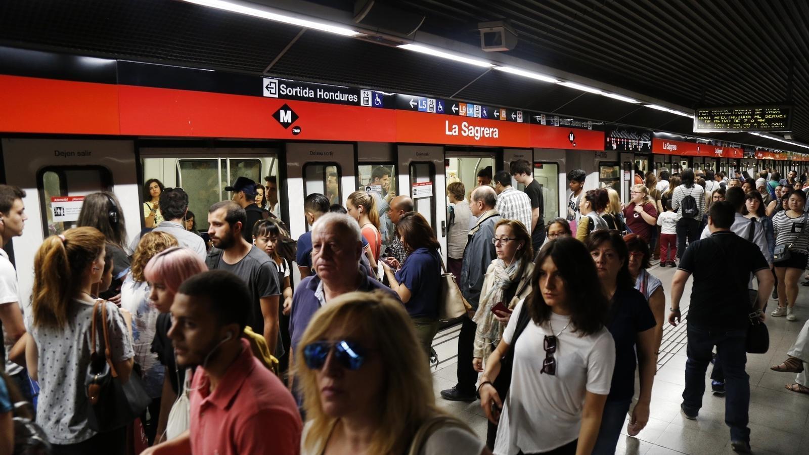 El metro de Barcelona, en una de les jornades de vaga dels dilluns