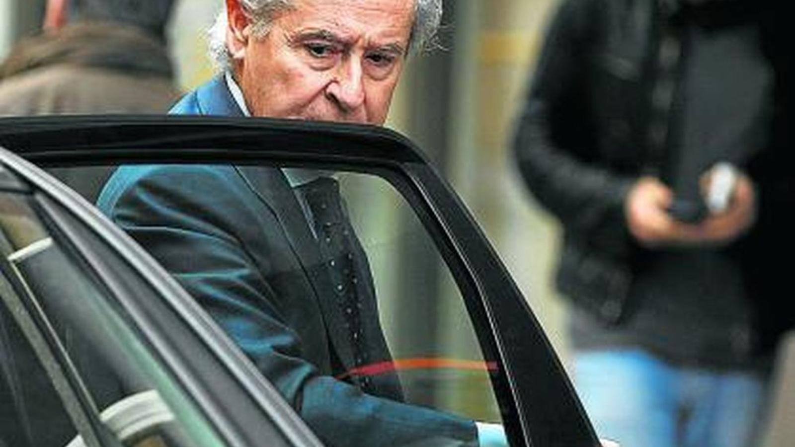 Obituari: Ferraris, caviar, caceres i preferents: mor el banquer de l'Espanya del 'boom'
