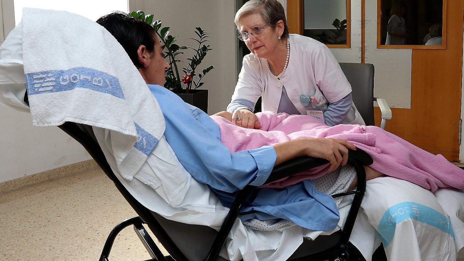 DIME és una associació formada per una cinquantena de persones que dediquen el seu temps a acompanyar pacients crònics i familiars.