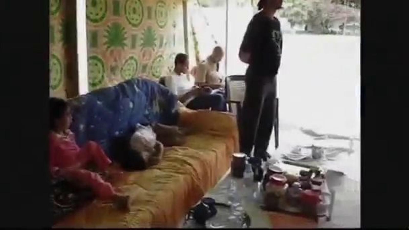 Escenes casolanes del dictador libi, Muammar al-Gaddafi, amb els seus néts