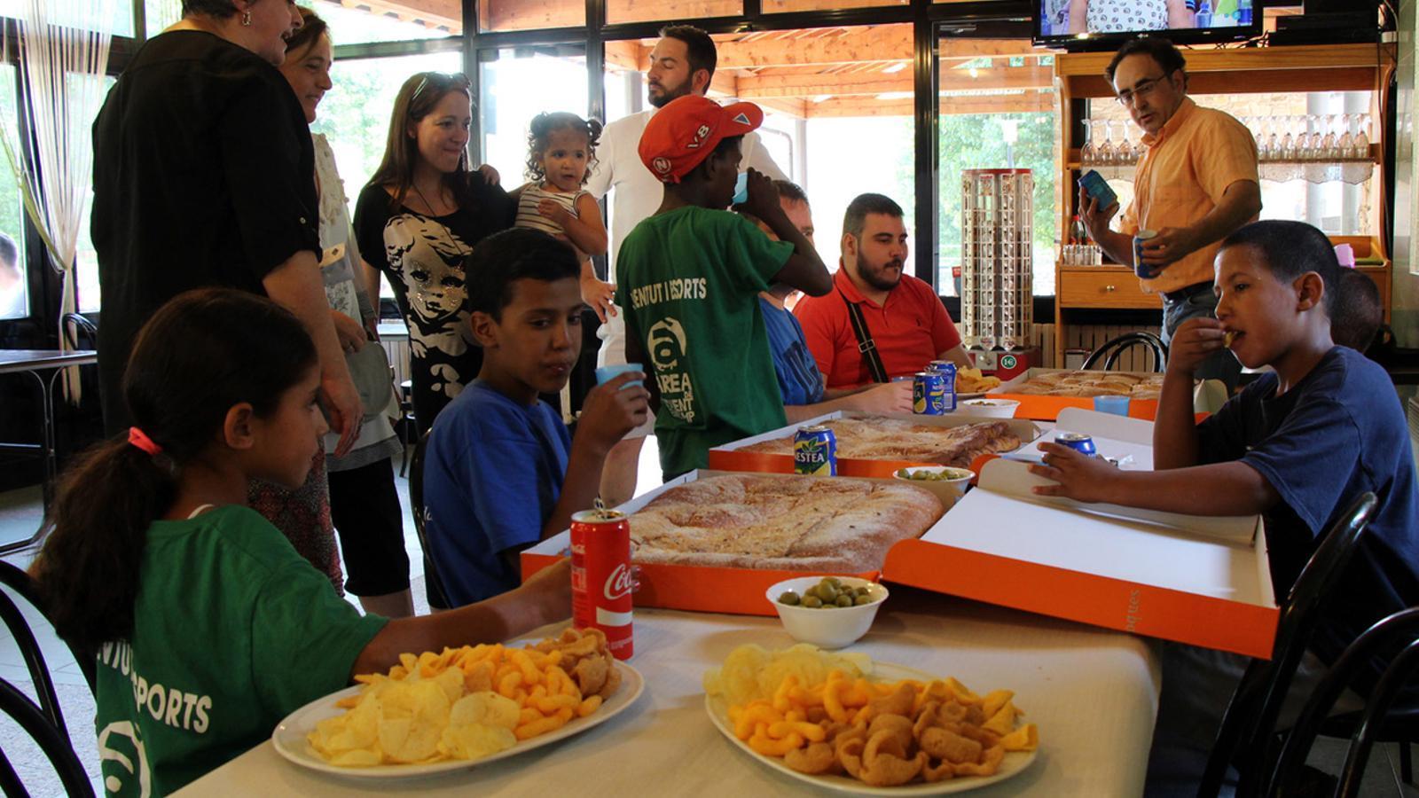 El Comú d'Encamp ha ofert un berenar per donar la benvinguda als infants sahrauís /M.C.