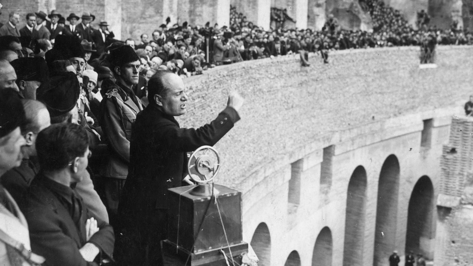 Mussolini al Coliseum de Roma el 20 de Novembre del 1920
