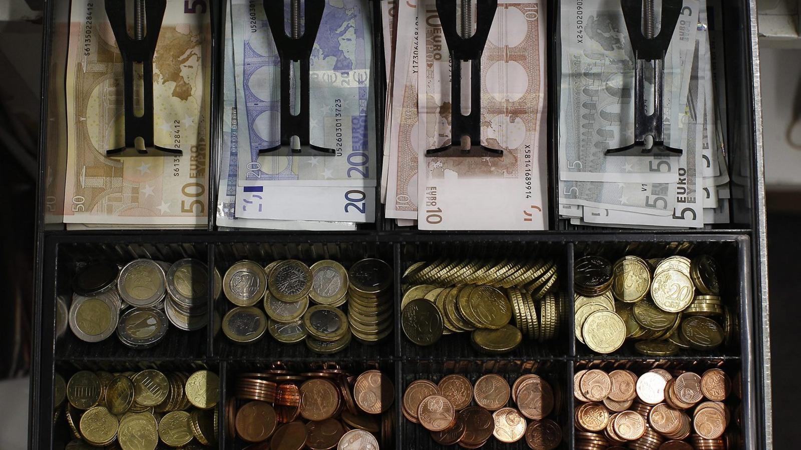 ANÀLISI: Els perills d'un món sense diners en metàl·lic