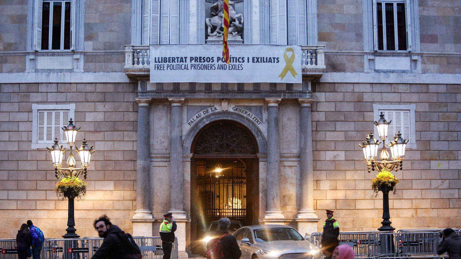Torra manté el llaç groc al Palau de la Generalitat malgrat la prohibició de la Junta Electoral Central