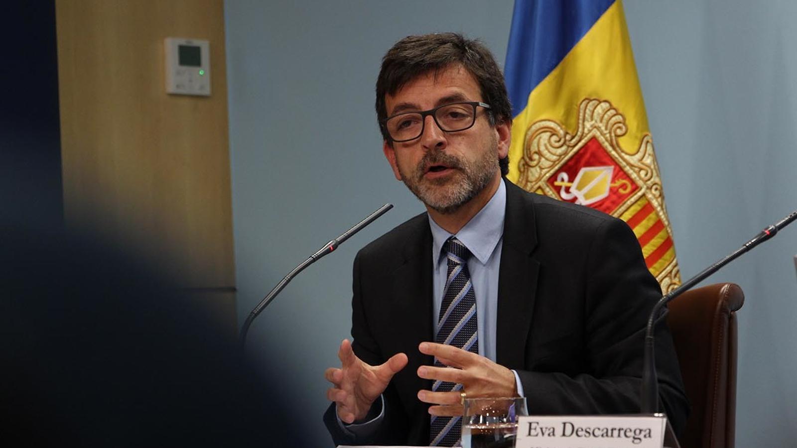 El ministre de Finances, Jordi Cinca, durant la roda de premsa posterior al consell de ministres. / M. M.